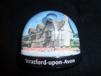 Shakespeares Birthplace snowglobe magnet